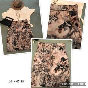 Floral Skirt 🖤🖤🖤